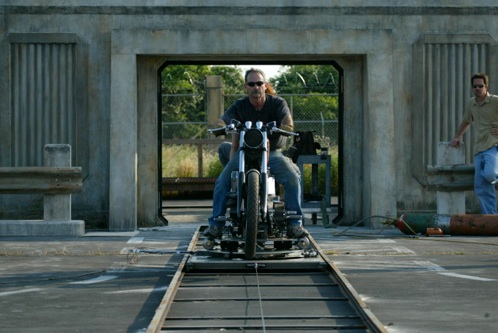TURNTABLE-TRACK&MOTORCYCLE